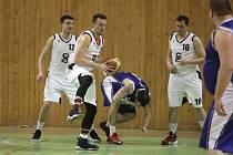 Příprava karvinských basketbalistů pokračuje.