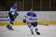 Orlovští hokejisté (v bílém) podlehli doma Havlíčkovu Brodu.