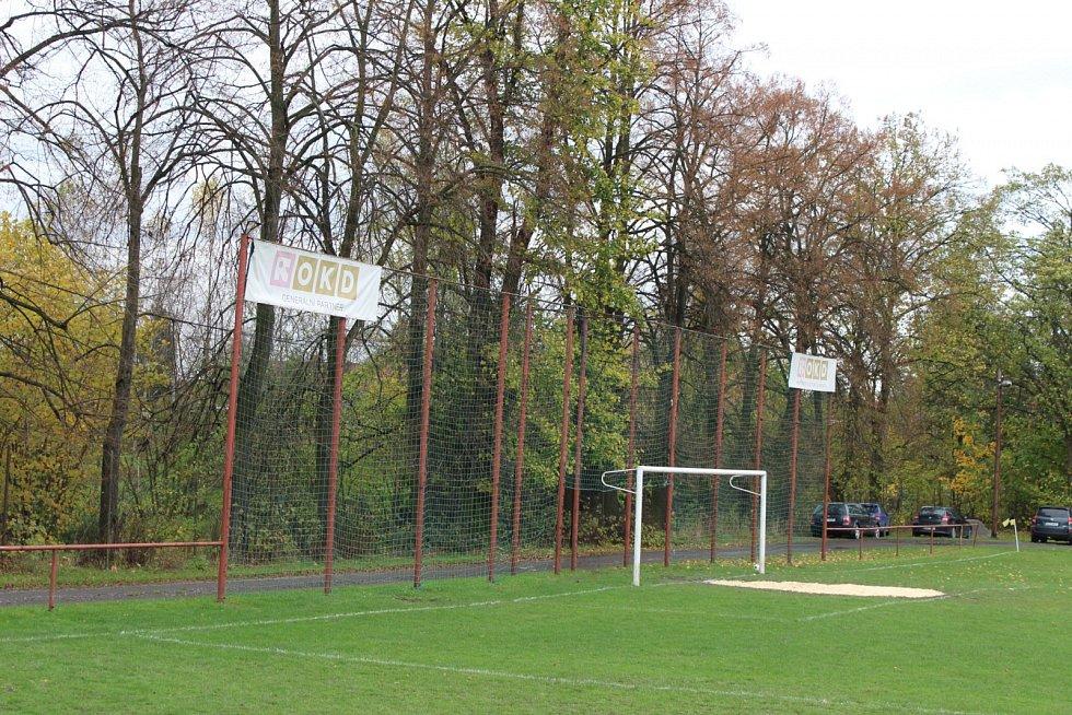 Vítejte na fotbale v Doubravě.
