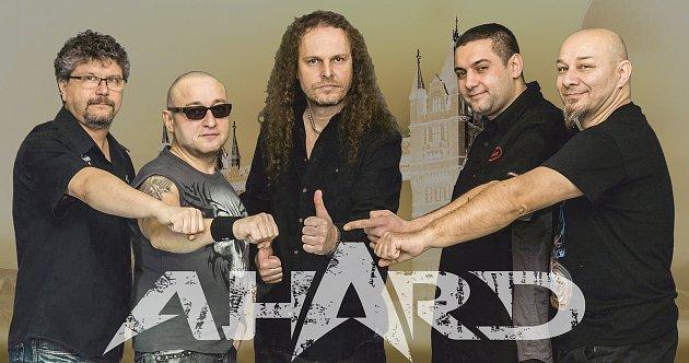 Orlovsko-ostravská rocková kapela AHARD se vpozměněné sestavě připravuje na letní vystoupení.