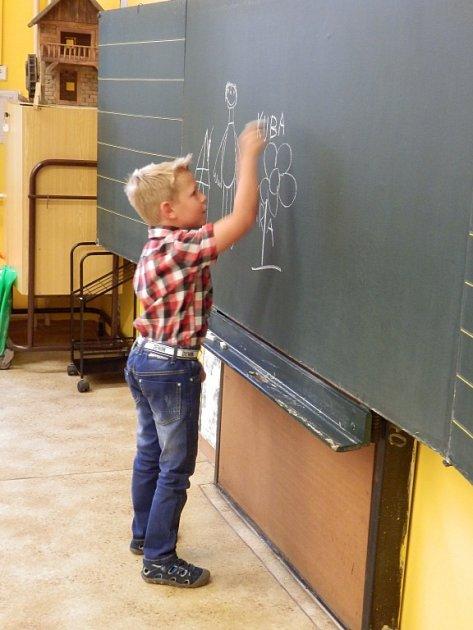 Slavnostní zahájení školního roku vhavířovské ZŠ Frýdecká.