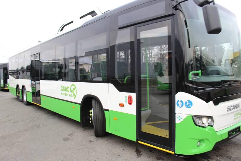 Nové nízkopodlažní autobusy s pohonem na zemní plyn pro městské a příměstské linky v Havířově. 15 metrů dlouhý třínápravový autobus Scania.