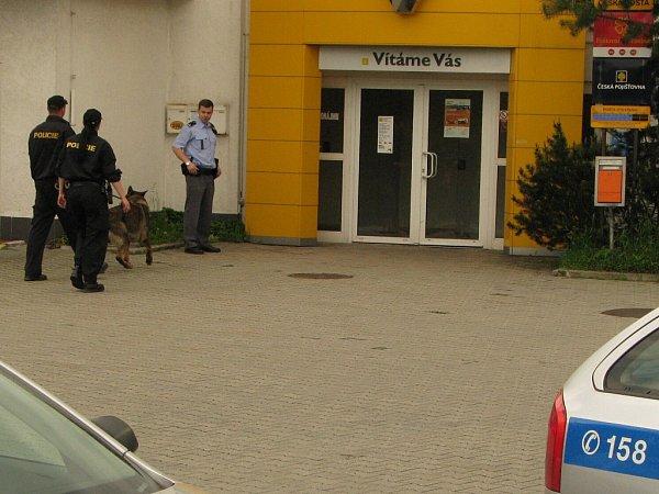 Maskovaný muž přepadl vsobotu dopoledne pobočku České pošty vulici Jurije Gagarina vHavířově.
