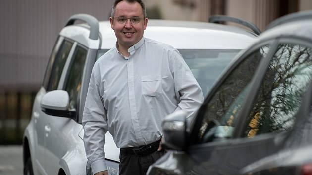 Římskokatolický farář Marcel Puvák.