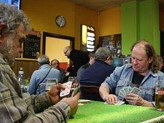 Mariášoví karbaníci z celého regionu zasedli v sobotu ke stolům již 16. ročníku turnaje O bohumínské hrabátko.