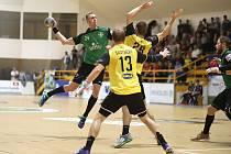 Dominik Solák (v zeleném) je oporou Karviné a už i součástí reprezentačního týmu.