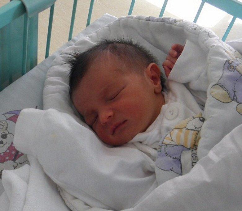 Sebastiánek Sarka se narodil 23. září mamince Dominice Sarkové z Karviné. Po narození chlapeček vážil 2950 g a měřil 50 cm.