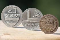 Dřívější pamětní medaile k výročí založení Havířova.