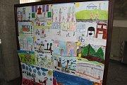 V havířovské knihovně byly vyhodnoceny dětské kresby s dopravní tématikou.