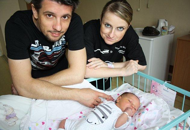 Amálka Kijonková se 21. září narodila mamince Evě a tatínkovi Martinovi. Po narození holčička vážila 3370 gramů a měřila 47 centimetrů.