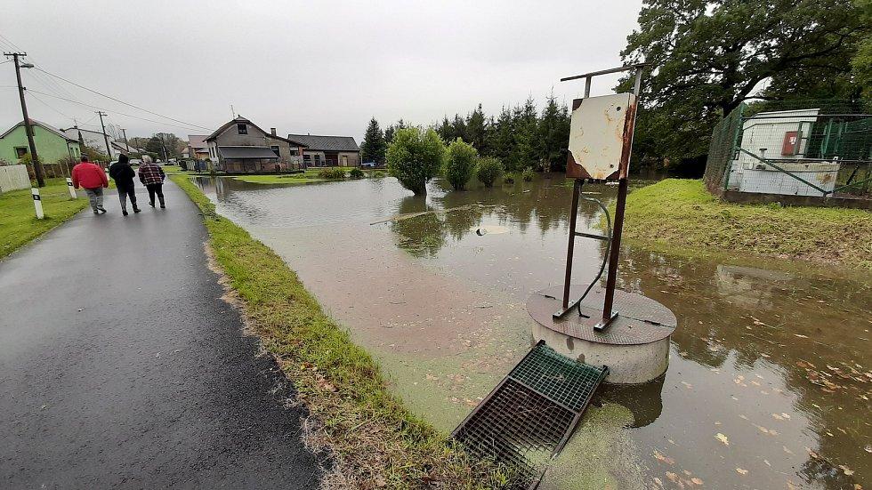 Některé bohumínské městské část zaplavila voda. hasiči čerpají vodu lidem ze zahrad v Nové Vsi, Šunychlu i Starém Bohumíně.