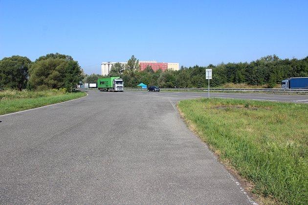 Kvůli chybějící značce lze na Ostravskou ulici na pomezí Havířova a Šenova snadno vjet do protisměru.
