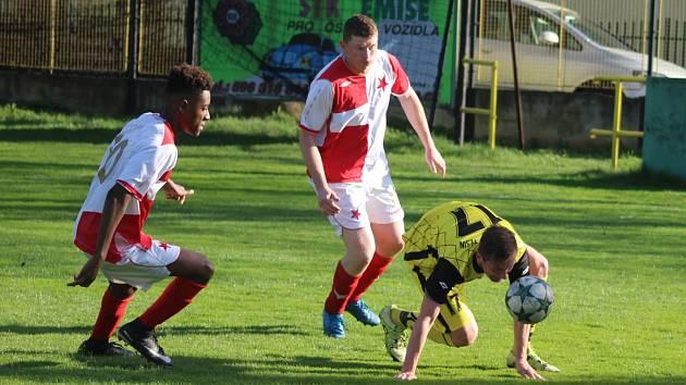 Orlovští fotbalisté mají nadále starosti se záchranou.
