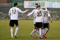 Karvinští fotbalisté se radují. Uspěli na jihu Čech.