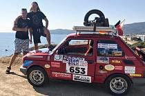 Do některých prudších kopců musela posádka Fiat 126p doslova tlačit očima.