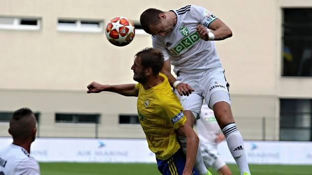 Karviná (v bílém) si ve Zlíně připsala první výhru sezony.