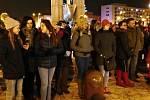 Půlnoční bohoslužba pod širým nebem v režii Apoštolské církve v Havířově.