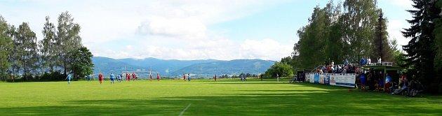 Fotbalový areál vHorním Žukově.