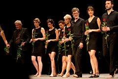 Polské divadlo Teatr Pieśń Kozła získalo hlavní cenu - Zlomenou závodu - na 28. ročníku mezinárodního divadelního festivalu Bez hranic za hru Píseň Leara.