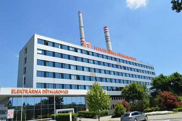 Zájem oprohlídku provozů elektrárny zřad školáků a studentů každoročně stoupá.