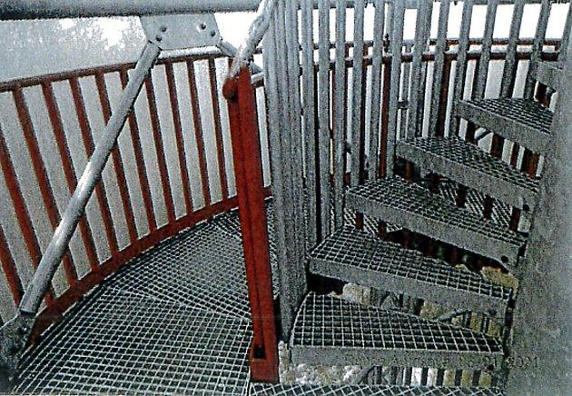 Detail schodiště na vyhlídkové věži, která už stojí vRokycanech.