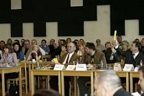 Snímek z ustavujícího zasedání orlovského zastupitelstva.