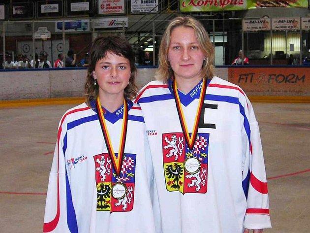 Tereza Palová (vlevo) a Jiřina Neradová, bronzové medailistky z MS.