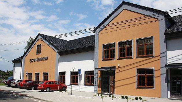 Nové obecní Kulturní centrum mělo o víkendu svou slavnostní premiéru pro veřejnost.