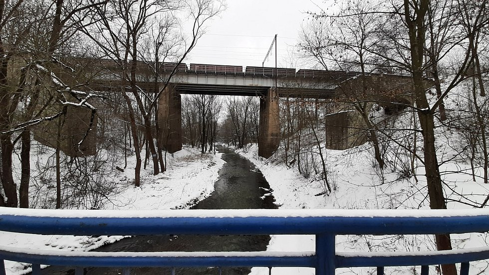 Železniční viadukt.