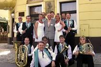 Malá černá hudba na festivalu Vejvodova Zbraslav opět zazářila.
