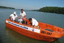 Vodní záchranáři na Těrloické přehradě.