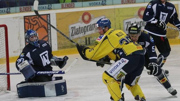 Hokejisté Havířova (v černém) nedali v Ústí ani gól a prohráli.