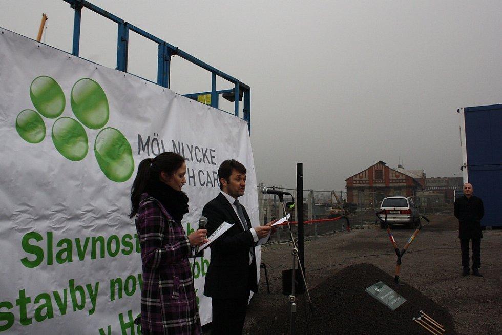 Slavnostní zahájení stavby Mölnlycke Health Care v Havířově-Dolní Suché. Generální ředitel výrobních závodů Emmanuel Chilaud.