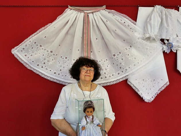 Regionální umělkyně Blažena Slováčková získala na konci června titul Mistr tradiční rukodělné výroby.
