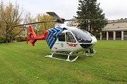 Vrtulník záchranné služby při zásahu v Havířově.