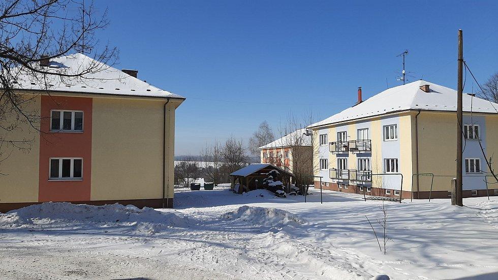 Hornická obec Stonava před 30 lety doslova vstala z popela. Dnes má necelých 2000 obyvatel a velmi dobrou infrastrukturu.  Sídliště Hořany.