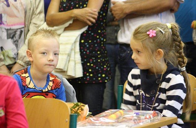 Zahájení školního roku vkarvinské ZŠ Majakovského.