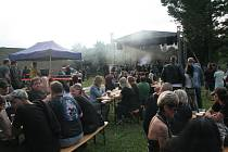 V Karviné na Lodičkách se v pátek konal první ročník hudebního festivalu Karviná Rocks. Vystoupily mj. kapely Witch Hammer, Messalina a Doga.