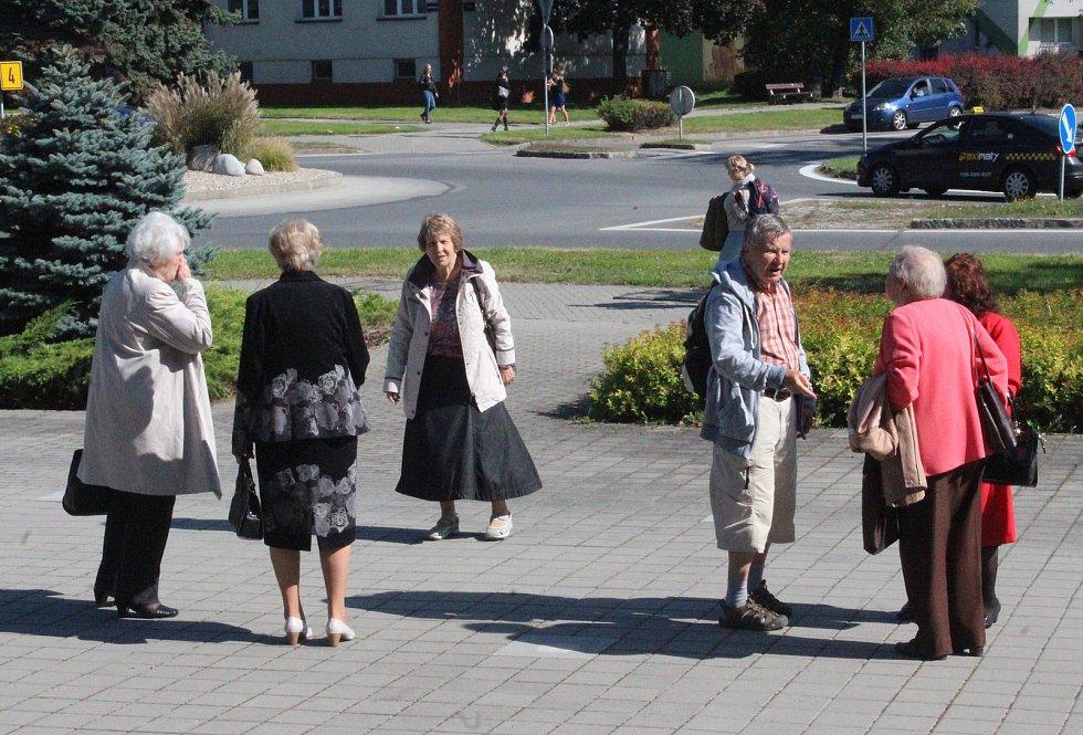Gymnázium a Obchodní akademie Orlová (GOA) si připomněla 110, resp. 100 let od založení školy. Přijeli absolventi ze všech koutů světa.