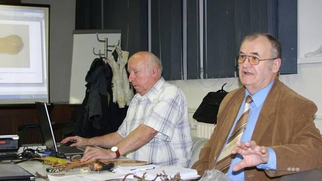 V sobotu se v orlovském kulturním domě konala druhá přednáška z cyklu 37. ročníku oblíbené Zahrádkářské univerzity v Orlové 2013, tentokrát na téma Pěstování vinné révy na Karvinsku.