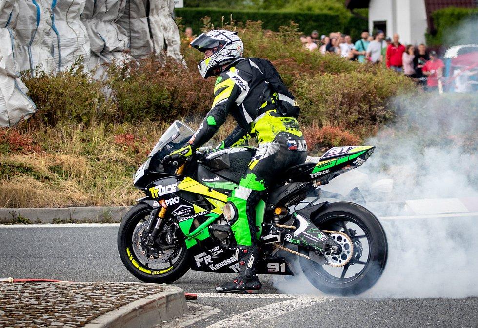 Silniční motocyklový závod Havířovský zlatý kahanec na Těrlickém okruhu.