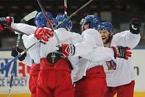 Čeští hokejisté na tréninku. Dnes hrají poslední přípravný zápas.