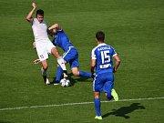 Fotbalisty Karviné (v bílém) zradila proti Liberci koncovka. Opět.