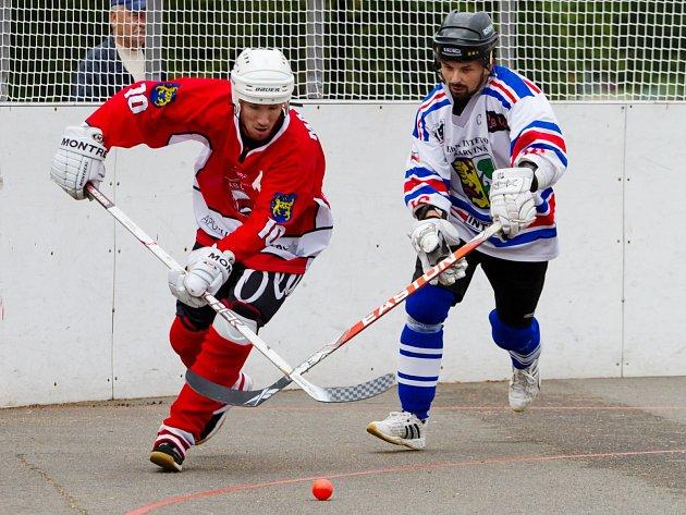 Karvinští hokejbalisté změří po roce síly s prvoligovými vítězi.