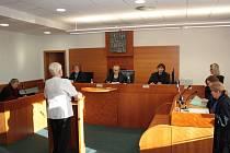Senát havířovského okresního soudu poslal zdravotní sestru za otravu těhotné ženy do vězení.