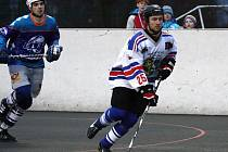 Hokejbalisté pomalu končí základní část.