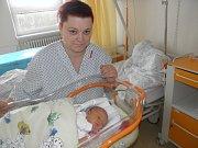 Ellen Tomicová se narodila 22. března mamince Radaně Tomicové z Petrovic. Po porodu miminko vážilo 3230 g a měřilo 49 cm.