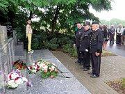 Páteční pieta u památníku důlního neštěstí na Dole Dukla v Havířově-Dolní Suché, při kterém 7. července 1961 zahynulo 108 horníků.