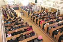 V pořadí již třináctým benefičním koncertem byly v sobotu po rozsáhlé rekonstrukci slavnostně uvedeny do užívání vzácné varhany umístěné v evangelickém kostele v Havířově-Bludovicích.