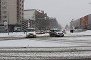 Doprava v době sněžení v centru Havířova.